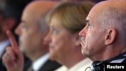 Германскaтa канцеларка Ангела Меркел и грчкиот премиер Јоргос Папандреу.
