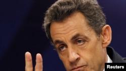 Советники Елисейского дворца сообщили прессе, что Саркози не станет говорить о России