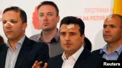 Ja bih voleo da se sutra, iako je subota, Trajko Veljanovski javi Talatu Džaferiju i da izvrše primopredaju funkcije: Zoran Zaev