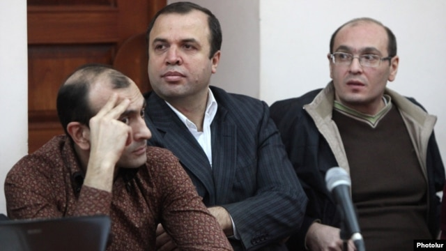 Armenia - Vazgen Khachikian, former head of the state pension fund, does on trial on corruption charges, Yerevan, 05Mar2013.