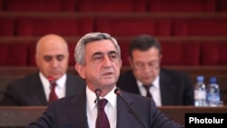 Armenia -- President Serzh Sargsian speaks at a congress of the Union of Industrialists and Entrepreneurs, Yerevan, 09Nov2011