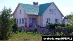 Дом, зь якога зьбіраюцца выселіць вялікую сям'ю