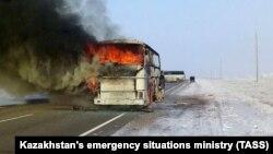 В Казахстане сгорел пассажирский автобус с 52 гражданами Узбекистана. 18 января 2018 года