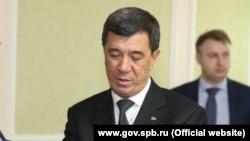 Шамухаммет Дурдылыев в бытность мэром Ашхабада запомнился тем, что начал кампанию по массовому жестокому уничтожению бездомных собак и кошек