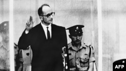 Адольф Эйхман на суде в Иерусалиме, 1961 г
