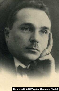 Яків Мамонтов, український поет, драматург та історик української драматичної літератури і театру