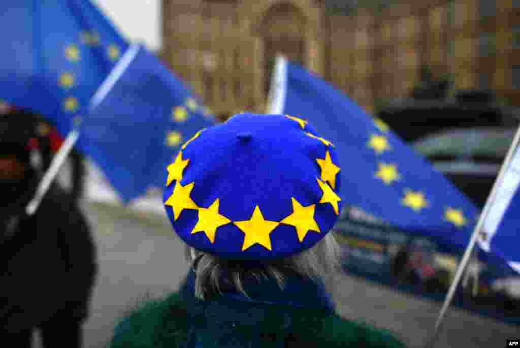 БЕЛГИЈА - Европската унија му порача на новиот британски советник за Европа Дејвид Фрост дека не е подготвена повторно да преговара за Брегзит.