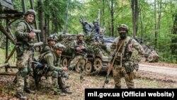 Українські десантники захопили штаб американських військових