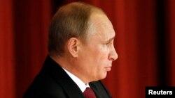 Владимир Путин на встрече с иностранными послами. Москва, 1 июля