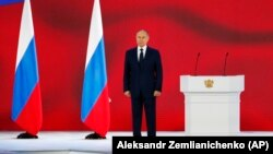 ولادیمیر پوتین، روسیه را با ببری در محاصره کفتارها مقایسه کرد و گفت این روسیه است که در هر زمینهای خطوط قرمز خود را تعیین میکند.