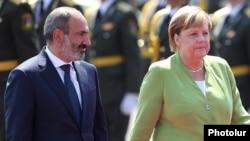 Премьер-министр Армении Никол Пашинян и канцлер Германии Ангела Меркель, Ереван, 24 августа 2019 г․