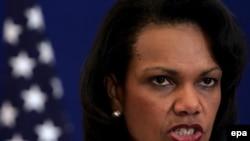 کاندولیزا رایس، وزیر خارجه آمریکا، هرگونه گفت و گو با ایران را منوط به توقف برنامه هسته ای دانست.