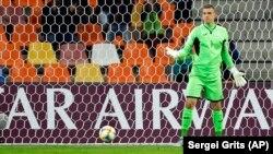 Голкипер Андрей Лунин (на фото) допустил ошибку в товарищеском матче против команды Польши