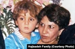 کارون حاجیزاده و مادرش روحانگیز سلطانینژاد