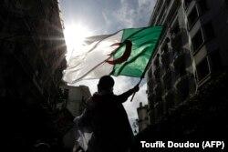 صحنهای از تظاهرات اعتراضی در اسفند ماه گذشته در خیابانهای الجزیره