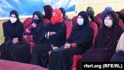 آرشیف، شماری از زنان افغانستان در یک سیمینار آموزشی در پکتیا