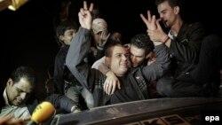 Палестиналықтар Израиль түрмеден босатқан азаматтарын қарсы алып жатыр. Палестина, 29 қазан 2013 жыл.