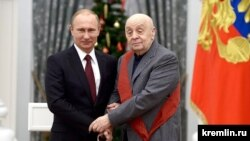 Russian President Vladimir Putin and Leonid Bronevoi (file photo)
