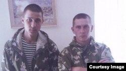 Ильдар Сахапов и Федор Басимов, обвиняемые в убийстве солдаты 201-й российское военной базы в Таджикистане