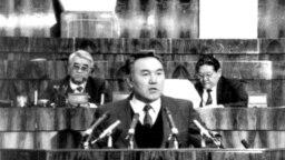 "Kazakhstan - Erik Asanbaev (L), former vice president of the Republic of Kazakhstan and prezident Nursultan Nazarbaev /Nazarbayev/. Photo from of the book """"Nursultan Nazarbayev. Chronicles of activity. 1992-1993"""". Undated."