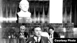 Нурсултан Назарбаев. Фото из книги «Нурсултан Назарбаев. Хроники деятельности. 1992–1993».