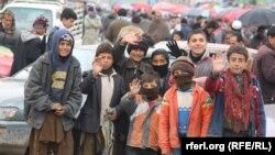 رحیمی: هر سال ۲۰۰ هزار تن از کودکان از تعلیم باز میمانند.
