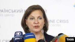 На снимке: помощник госсекретаря по делам Европы Виктория Нуланд
