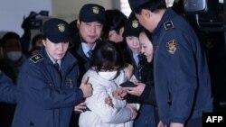 Задержание Цой Сун Силь, подруги отстраненного от власти бывшего президента Южной Кореи Пак Кын Хе.