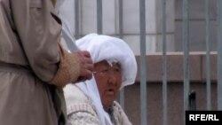 У одной из мечетей в Алматы. (Иллюстративное фото).