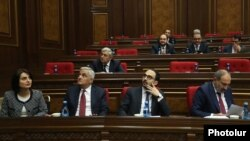 Armenia -- Prime Minister Nikol Pashinian and members of his cabinet at a parliament session in Yerevan, December 4, 2019.