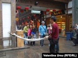 Pe o stradă din Sichuan