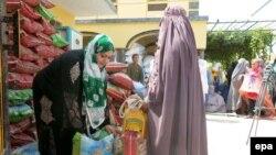 Kandaharda Remezan aýy.