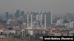 Stambulda türkmenistanly bir zenany awtoulag kakdy