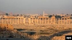 Қадимий Пальмира ҳаробалари.