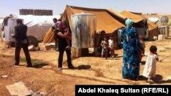 نازحون في مخيم دوميز في محافظة دهوك(من الارشيف)