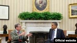 Роберт Форд ва Барак Обама