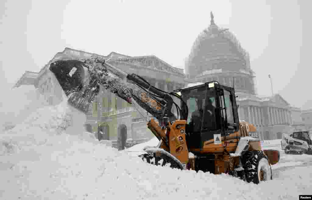 Вашингтон. Вид на Капітолій після снігопаду