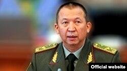 Қырғызстанның қызметінен алынған қорғаныс министрі Абибилла Кудайбердиев.