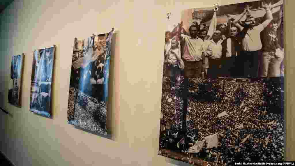 Тимчасова експозиція в Музеї історії міста Києва, приурочена до 30-річчя підняття синьо-жовтого прапора на Київрадою у 1990 році. Київ, 24 липня 2020 року