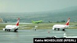 თბილისის საერთაშორისო აეროპორტის ასაფრენ-დასაფრენი ზოლი
