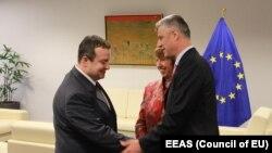 Përfaqësuesja e Lartë e BE-së, Catherine Ashton, takohet me kryeministrin e Kosovës Hashim Thaçi dhe atë të Serbisë, Ivica Daçiq, maj, 2013
