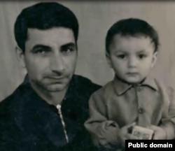 Февзі Сейдалієв з дитиною
