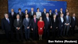 وزیران خارجه کشورهای شرکتکننده در نشست ونکوور. ۲۶ دی ۹۶