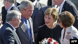 Лех Качинский назвал переговоры с Бушем первым этапом «результативной встречи»