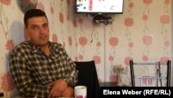 Павел Ненашев, сотрудник центра реабилитации, в прошлом сам наркоман. Поселок Сарытобе.