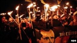 Смолоскипова хода у Києві на честь Степана Бандери