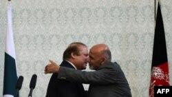 Наваз Шариф жана Ашраф Гани. Кабул, 12-май, 2015-жыл.
