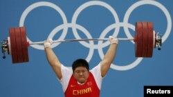 Китайская штангистка Чжу Лулу – олимпийский чемпион Игр 2012 года в Лондоне