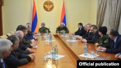Nagorno Karabakh - Armenian President Serzh Sarkisian and his Karabakh counterpart Bako Sahakian, chair a meeting in Stepanakert,19Apr2016
