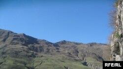 Поездка превращалась в увлекательное путешествие по красивейшей Военно-Грузинской дороге